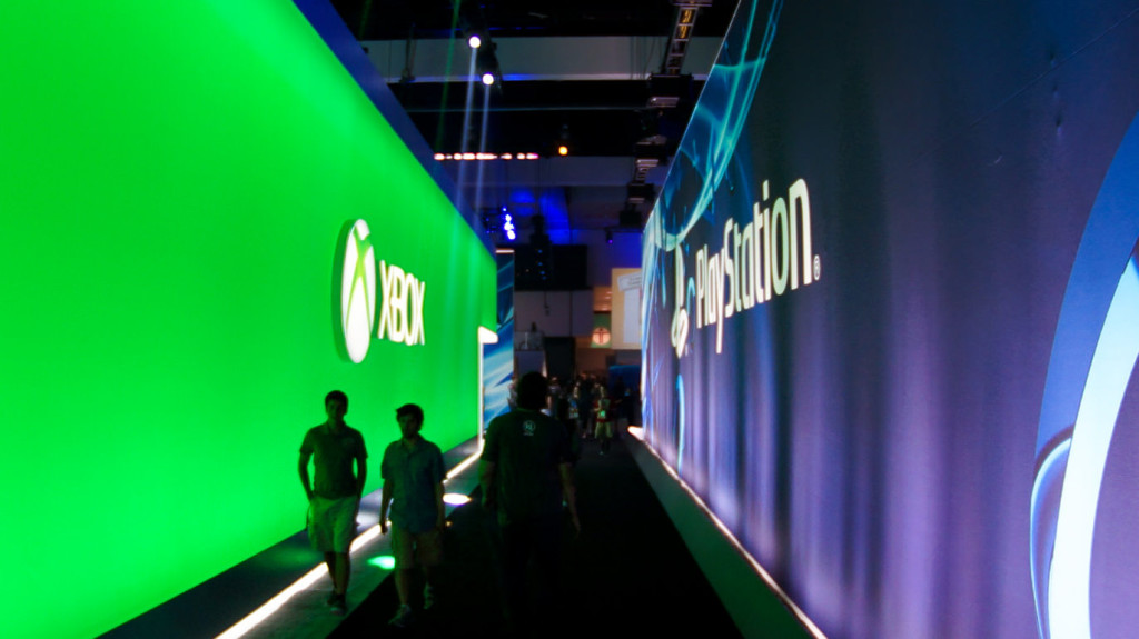 playstation and xbox banners